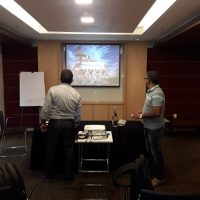 screen projector, laptop meeting