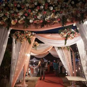 wedding entrance, wedding planner, wedding decoration, flowers, event management, lights